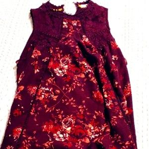Maroon floral lace tank shell size XL